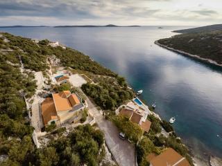 Cozy 3 bedroom Villa in Vinisce - Vinisce vacation rentals