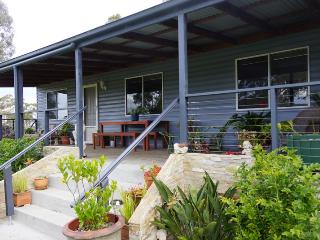 Finchley B&B Wandandian (pet friendly) - Jervis Bay vacation rentals