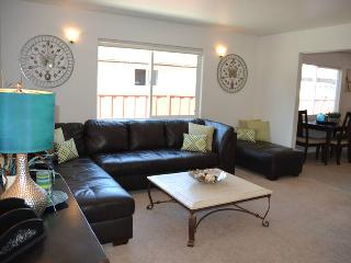 Googlicious 3/1.5 KING single level - Sunnyvale vacation rentals