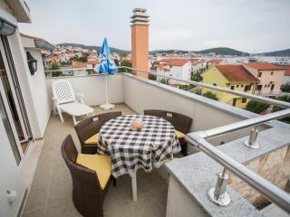 TH01611 Apartments Roje / Three bedroom A3 - Rogoznica vacation rentals