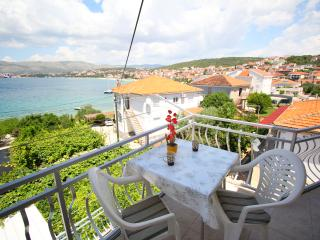 TH01814 Apartment Tonka / One bedroom A1 - Okrug Gornji vacation rentals