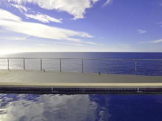 Villa moderna junto el mar, 4 habitaciones - Cala Pi vacation rentals