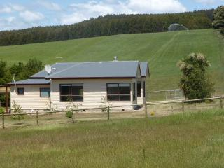 321 Paradise Farmhouse near Sheffield - Sheffield vacation rentals