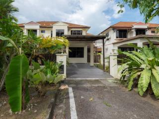 Penang Holiday House - Batu Ferringhi vacation rentals