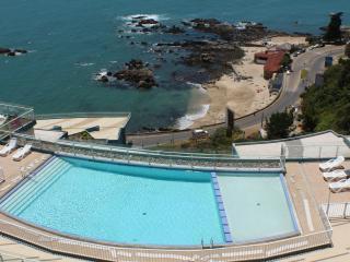 Beautiful Oceanfront 2BR in Concon - Concon vacation rentals