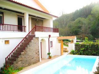Luxury waterfront villa, private pool, boat, kayak - Gois vacation rentals