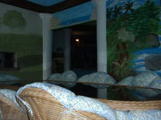Beautiful House with Internet Access and Dishwasher - Angeles vacation rentals