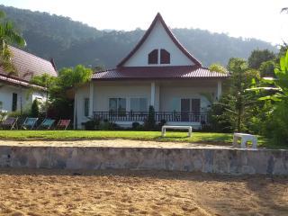 Nice 3 bedroom Ko Chang Tai House with Internet Access - Ko Chang Tai vacation rentals