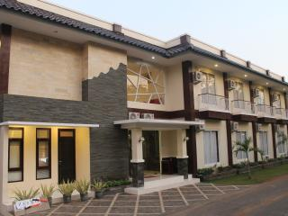 34 bedroom Resort with Internet Access in Wonosari - Wonosari vacation rentals