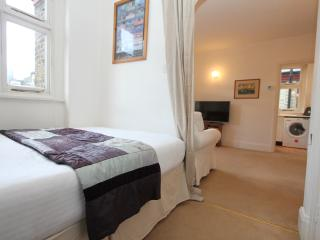 Baker Street Apartment - Central London - London vacation rentals