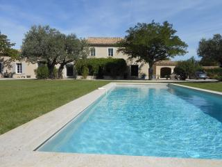 Lovely 5 bedroom Sarrians Villa with Internet Access - Sarrians vacation rentals