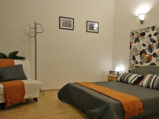 Hi5 Apartment 07 - Budapest vacation rentals
