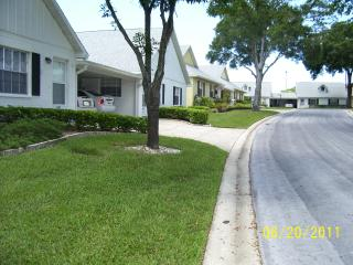55+ condominium community rules apply - New Port Richey vacation rentals