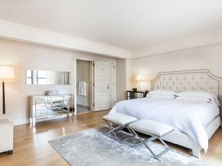 Magnificent Essex House one bedroom apartment - New York City vacation rentals
