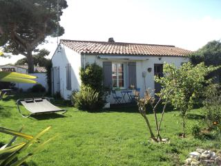 Nice House with Washing Machine and Television - La Flotte vacation rentals