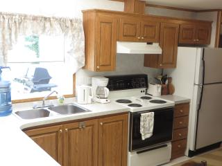 Foothills Ranch Retreat near Waterton Nat'l Park - Waterton Lakes National Park vacation rentals