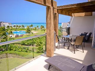Extraordinary PH with ocean view, cap. 8 people - Playa del Carmen vacation rentals