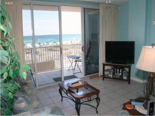 205 IP Gulf Front 2 BR 2 BA  free beach chair wifi - Fort Walton Beach vacation rentals