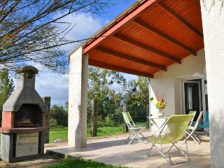 Nice Gite with Internet Access and Grill - Royan vacation rentals