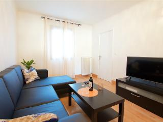 Peacefull and spacious 2BR apt in the Old town - Nice vacation rentals