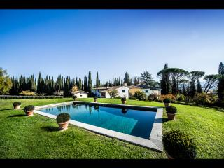 Stunning 5BDR Villa with wonderful pool & grounds! - Impruneta vacation rentals