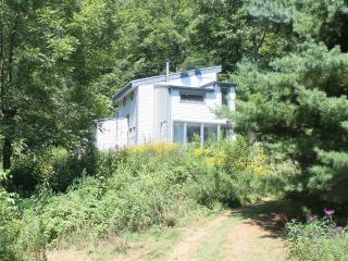 Perfect 2 bedroom McConnelsville House with Washing Machine - McConnelsville vacation rentals