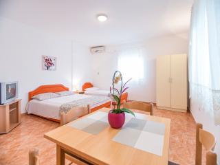 Cozy Bijela Studio rental with Internet Access - Bijela vacation rentals