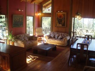 Lovely 6 bedroom Villa in Villarrica with Corporate Bookings Allowed - Villarrica vacation rentals