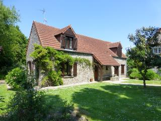 Converted Stables with private garden-quiet locale - La Haye-du-Puits vacation rentals