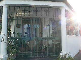 1 bedroom Cottage with Internet Access in Wynberg - Wynberg vacation rentals