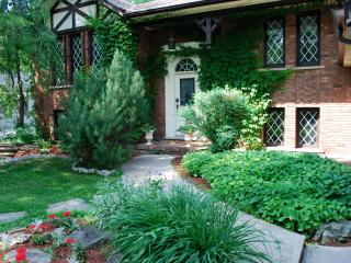 Amberlea House; 5 bedroom w Heated Pool, Old Town - Niagara-on-the-Lake vacation rentals