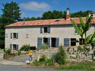 1 bedroom Bed and Breakfast with Parking in Chaix - Chaix vacation rentals