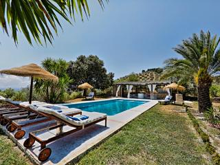 5* LUXURY CORTIJO - POOL - GYM - SPA & MUCH MORE - Montefrio vacation rentals