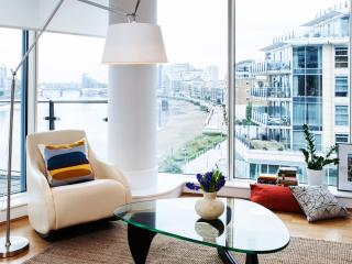 Thames View - Stylish and Modern Waterfront Living - London vacation rentals