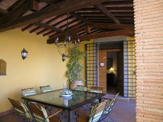 app. trilocale vista giardino , spiaggia privata - Bolsena vacation rentals