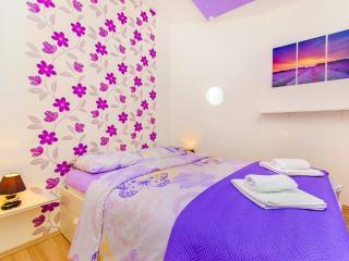 Violet center apartment - Split vacation rentals