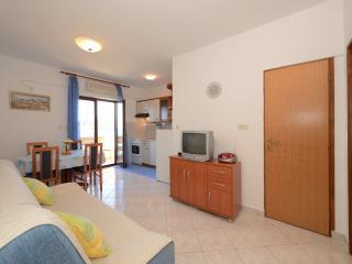MH0030 Apartments Mirela / Two bedroom apartment A2 - Preko vacation rentals