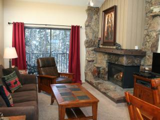 Bright, Updated Top Floor Unit With Great Views - Winter Park vacation rentals