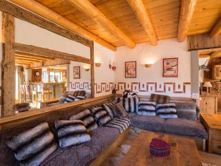 4 bedroom Chalet with Internet Access in Champagny-en-Vanoise - Champagny-en-Vanoise vacation rentals