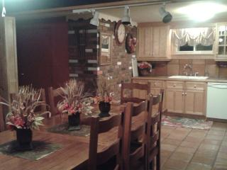 3 bedroom House with Internet Access in Lincoln - Lincoln vacation rentals