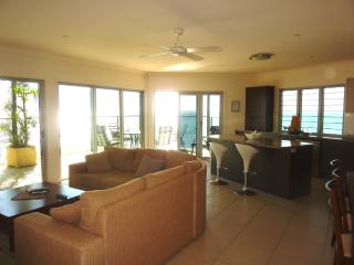 Cozy 3 bedroom Moreton Island Apartment with Hot Tub - Moreton Island vacation rentals