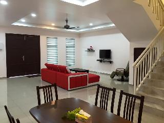 7 bedroom House with Internet Access in Melaka - Melaka vacation rentals