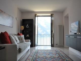 Casa Sylvia - Lake view and swimming pool - Nesso vacation rentals