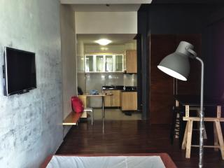 Nice Studio with Elevator Access and Satellite Or Cable TV - Petaling District vacation rentals