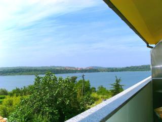 APARTMENT PERFECT BLUE - Pomer vacation rentals
