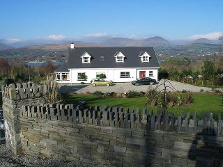 Beautiful 4 bedroom House in Kenmare with Television - Kenmare vacation rentals