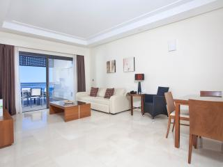 Beachfront and luxurious apartment in Estepona. - Estepona vacation rentals
