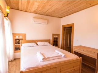 Secruded Villa / 2 bedrooms / 5 night min stay - Islamlar vacation rentals