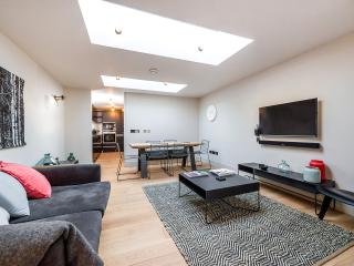 COVENT GARDEN APARTMENT 3 - London vacation rentals