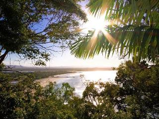 3 bedroom Condo with Parking in Noosa - Noosa vacation rentals